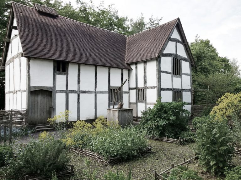 Avoncroft Museum's medieval Town House and period garden