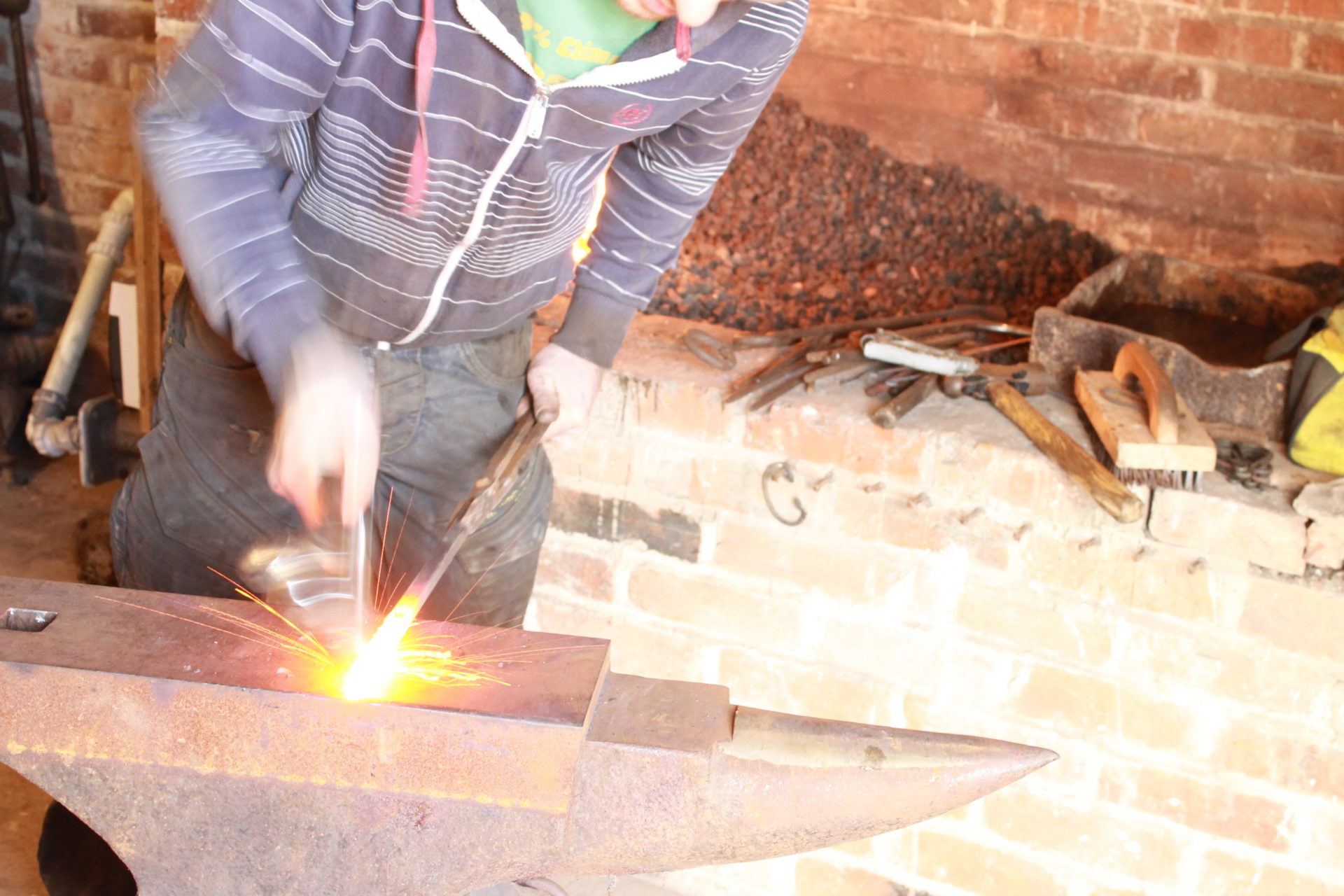 Blacksmithing courses at Avoncroft